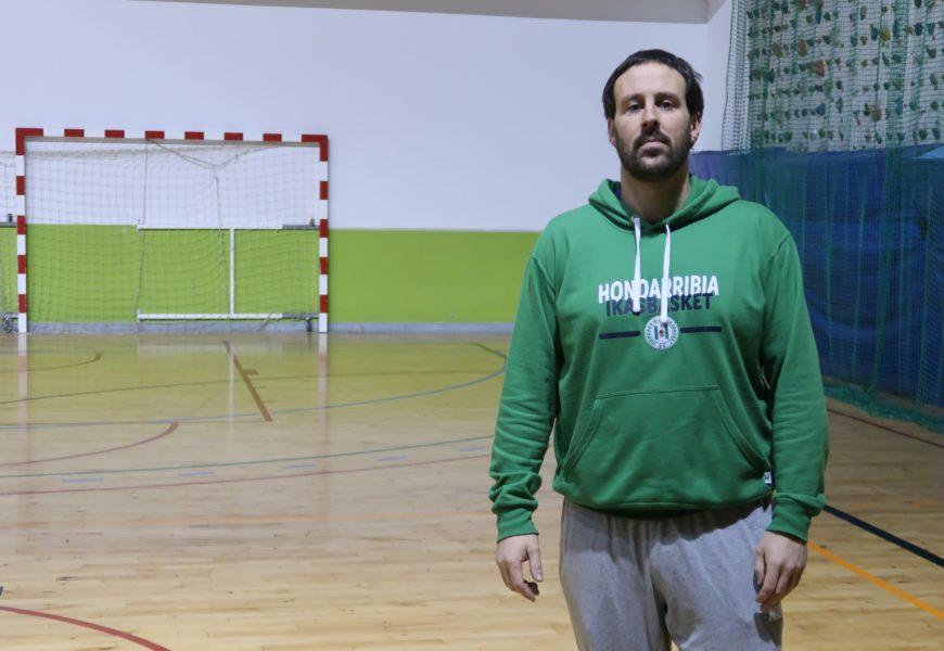 """GANIX MIRON, Hondarribia Ikasbasket taldeko entrenatzailea: """"Egun ona daukagunean, oso zaila da gu mendean hartzea"""""""