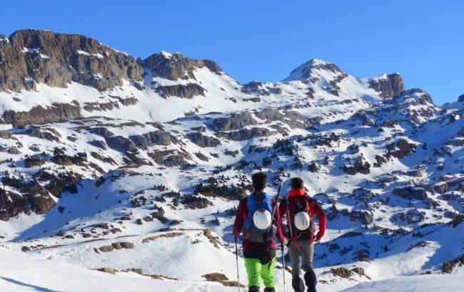 Hiru  Erregeen  Mahaia  (2.446m),  Linzako  aterpetxetik