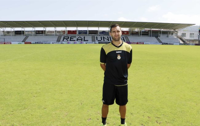 Entrenatzaile bezala estreinatu da Juan Dominguez Real Union taldearekin