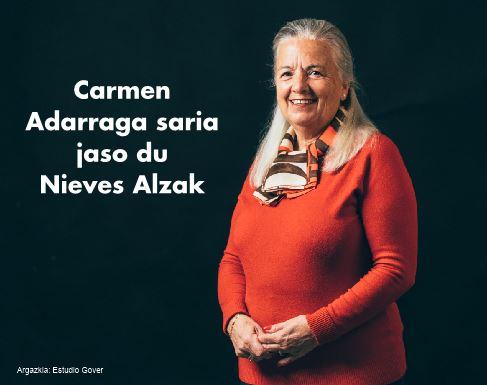 Carmen  Adarraga  saria  jaso  du  Nieves  Alzak