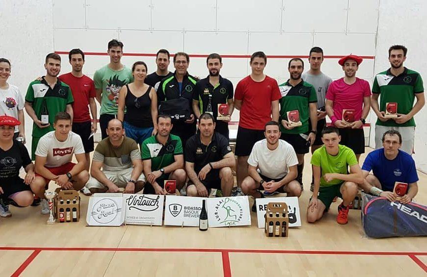 Lur-Alai kluba squasha ezagutarazteko bidean