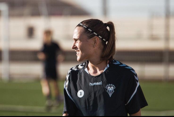 """Sandra Ramajo, futbolaria: """"Hainbeste urteren ostean momentu ahaztezin asko daude"""""""