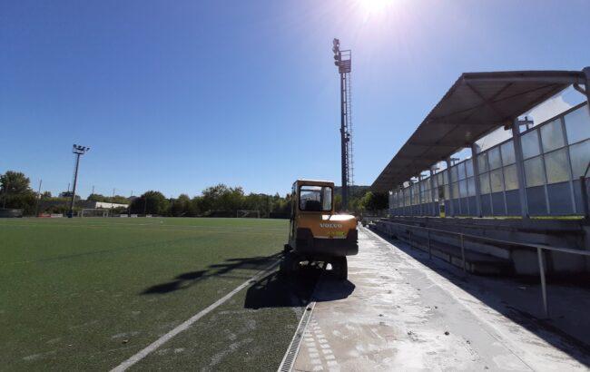 Kateako Ugalde futbol-zelaia berritzeko lanak hasi dira