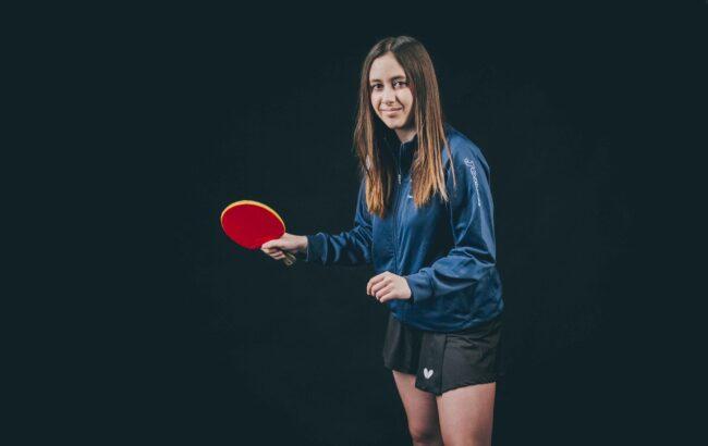 """Elene Sagardia, mahai-tenis jokalaria: """"Nire lehen helburua gure taldea ohorezko mailan mantentzea litzateke"""""""